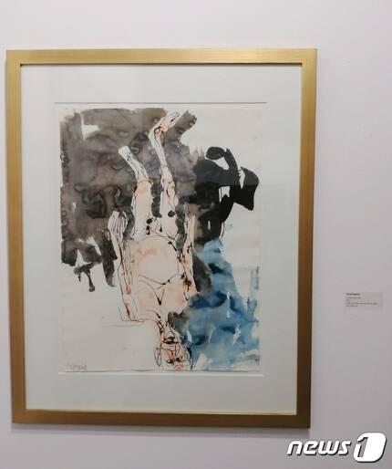 리안갤러리가 출품한 독일 작가 게오르그 바젤리츠의 2016년작 '무제'. 2017.6.3/뉴스1 © News1 김아미 기자