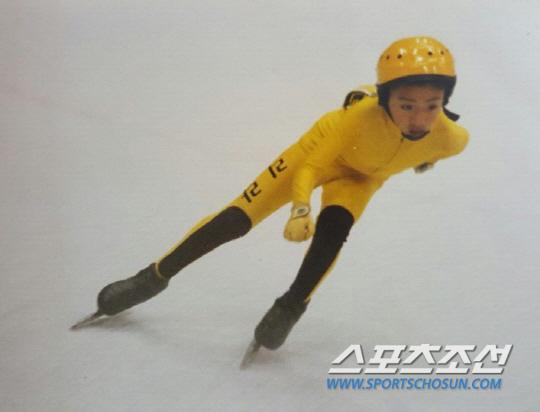 리라초등학교 시절 스케이트를 좋아하던  꼬마 이승훈.