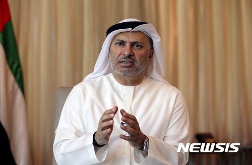 【두바이(아랍에미리트)=AP/뉴시스】안와르 가르가시 아랍에미리트(UAE) 외무장관이 7일 두바이에서 AP 통신과 인터뷰를 하고 있다. 가르가시 장관은 카타르와는 협상할 것이 더이상 없다고 말해 심화되는 외교 분쟁 속에서 조금도 양보하지 않을 것임을 분명히 했다. 2017.6.7