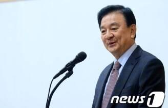 """홍석현 """"누가 대통령 되든 대연정해야""""..구체화되는 '정치 발언'(종합)'"""