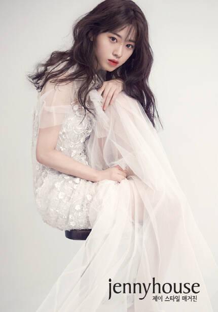 배우 신세휘 화보. 사진 매니지먼트 구