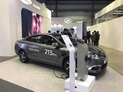 르노삼성차 SM3 Z.E. 성능 개선 모델. 이 차량은 한번 충전 이후 213km 주행 가능한 것을 목표로 삼고 있다. (사진=지디넷코리아)