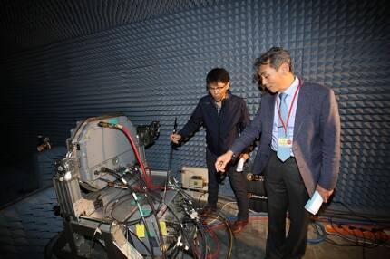AESA 레이더 장비 테스트 장면 [방사청 제공]