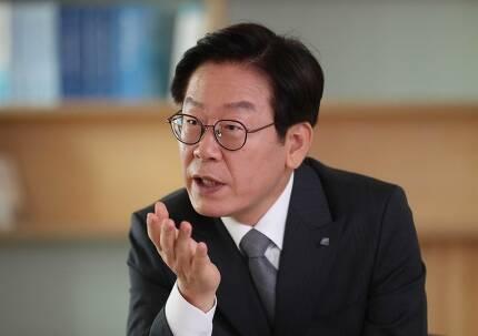 국토보유세로 다시 주목받는 이재명 경기지사. 박종식 기자