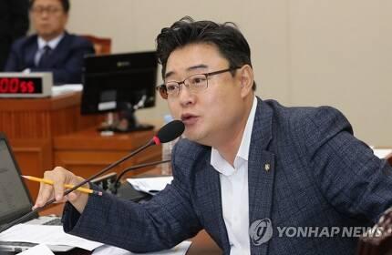 자유한국당 김성원 대변인 [연합뉴스 자료사진]