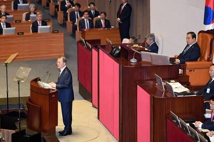 ⓒ연합뉴스문재인 대통령은 10월22일 국회 시정연설에서 대학입시제도 개편 방안을 밝혔다.