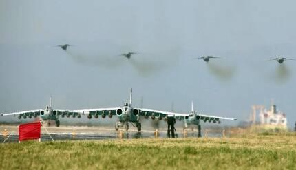 16일 북한 강원도 원산갈마비행장에서 열린 전투비행술경기대회에 등장한 SU-25.[연합뉴스]