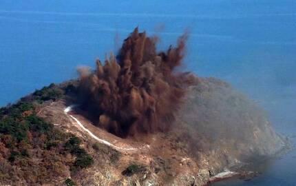 16일 열린 전투비행술경기대회에서 전투기들이 목표물을 폭격하고 있다.[연합뉴스]