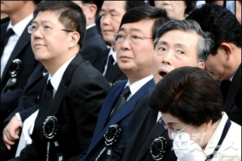 고 김대중 전 대통령의 장남 김홍일, 차남 김홍업, 삼남 김홍걸 씨 (사진=자료사진)