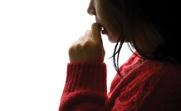 [헬스조선]공황장애는 평소에는 멀쩡하지만, 발작이 나타나면 극심한 불안감과 호흡곤란, 떨림 등의 증상을 호소한다/사진=헬스조선DB