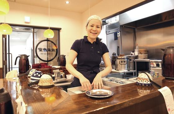 도쿄 미래식당의 주인 고바야시 세카이. 일본 IBM 등에서 시스템 엔지니어로 일한 경험이 식당 경영에 도움이 된다고 말했다. [손민호 기자]