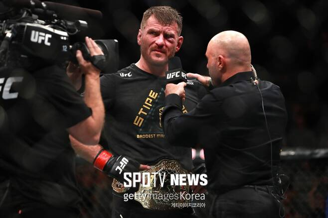 ▲ 스티페 미오치치는 UFC 최초 타이틀 3차 방어에 성공한 헤비급 챔피언이 되고 뿌듯해했다.