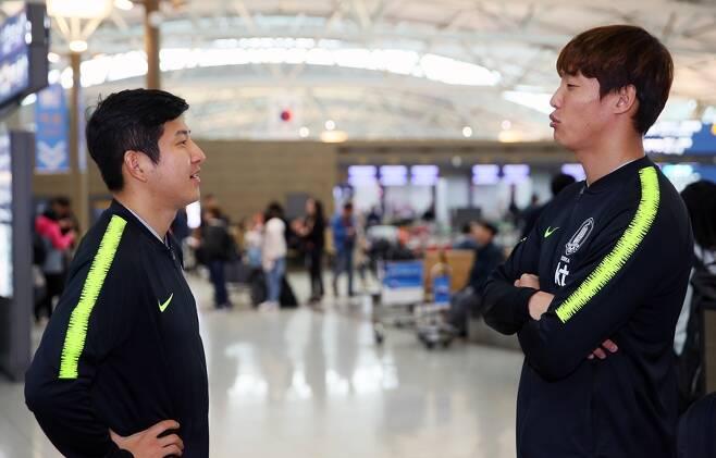 ▲ 간절한 마음으로 대표 팀에 합류한 박주호(왼쪽)와 홍정호가 월드컵으로 향하는 마지막 동아줄을 잡을 수 있을까. ⓒ연합뉴스
