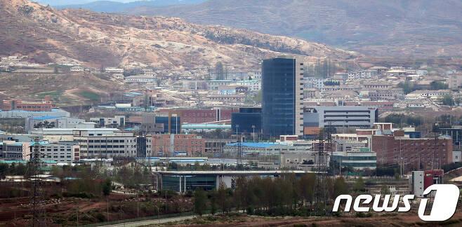 경기도 파주시에서 바라본 개성공단. /뉴스1 © News1 이재명 기자