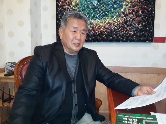 보안사령부(현 기무사령부) 광주 505보안부대 전 수사관이었던 허장환(70)씨가 지난 3일 강원도 춘천의 한 커피숍에서 1980년 5·18 당시 보안대 내부 상황을 증언하고 있다.