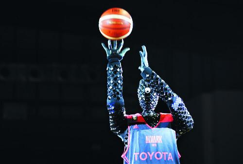 농구 로봇 '큐(CUE)'/사진=뉴시스