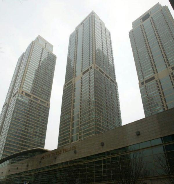 기둥식 구조로 지어진 서울 강남구 도곡동 타워팰리스. 고층 주상복합의 경우 기둥식이 더 유리하다. /조선DB