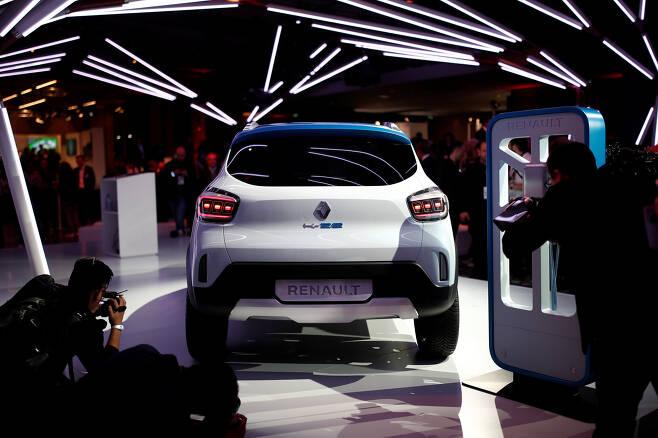 르노가 만든 소형 SUV 전기차 'K-ZE'.이 차량은 2019년부터 중국에서 판매를 시작한 후 판매지역을 넓힐 예정이다. 도심 출퇴근이나 근거리 이동에 적합하다.[로이터=연합뉴스]