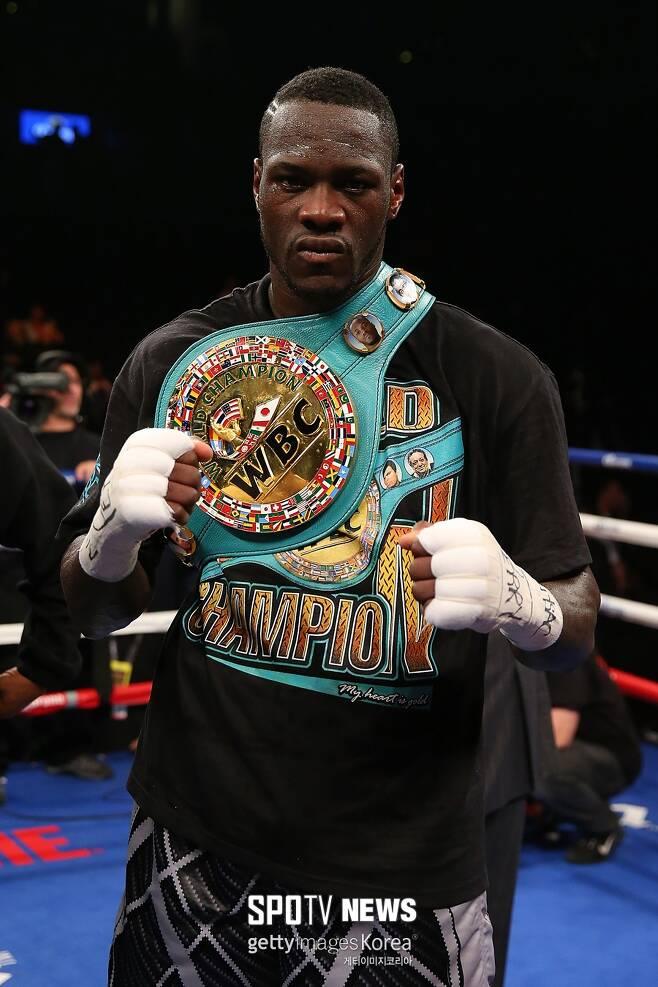 ▲ WBC 헤비급 무패 챔피언 디언테이 와일더(사진)는 타이슨 퓨리를 잡고 41연승에 도전한다.