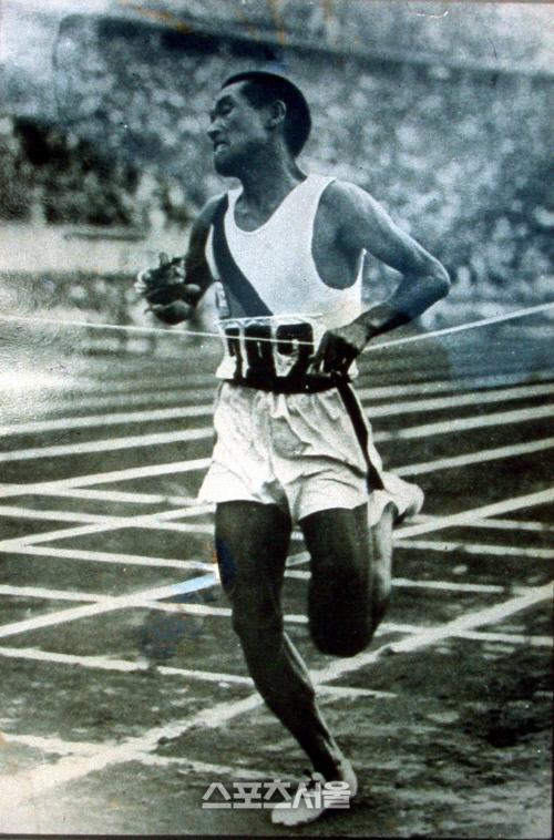 1936베를린올림픽 마라톤 우승 장면.<스포츠서울 DB>