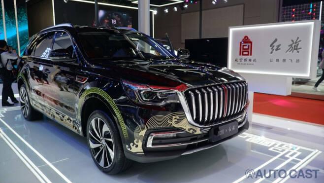 홍치의 대형 SUV에 중국의 디자인을 더했다.