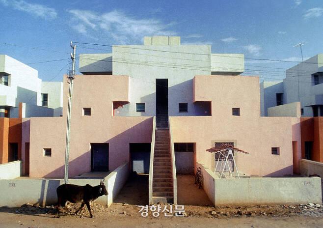 인도 건축가 발크리슈나 도시(2018 프리츠커 수상)가 설계한 생명보험조합 공동주택. (인도 아마다바드) / 프리츠커위원회 홈페이지 www.pritzkerprize.com