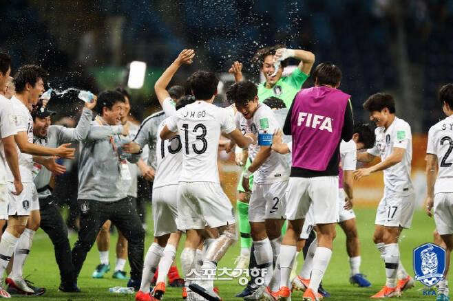 첫 결승 진출에 기뻐하는 정정용의 아이들 | 대한축구협회 제공