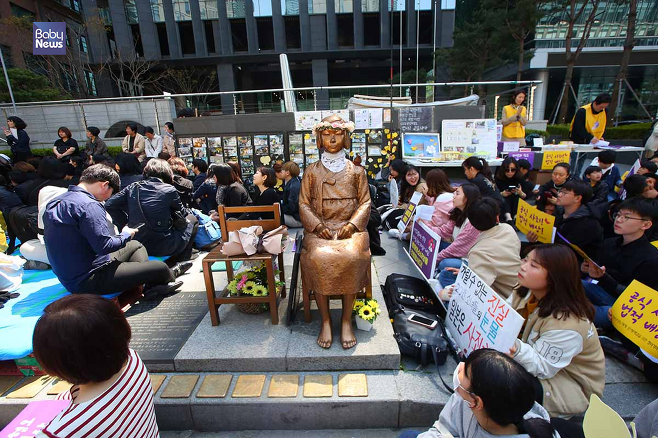 일본군 '위안부' 문제의 피해를 상징하는 상징물인 소녀상의 모습. 김재호 기자 ⓒ베이비뉴스