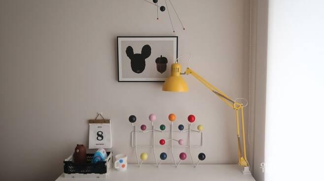사진 : 작은방 책상