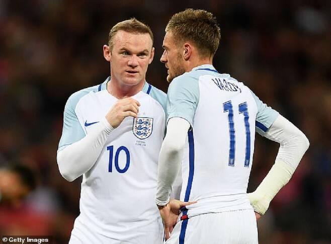 ▲ 잉글랜드 축구 대표 팀에서 함께 뛰어온 루니(왼쪽)와 바디 ⓒ영국 언론 메일