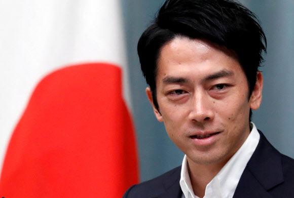 아베 신조 총리가 11일 단행한 개각에서 환경상에 임명된 고이즈미 신지로 중의원 . 올해 38세인 고이즈미 의원은 전후(戰後) 일본에서 3번째 최연소 각료 기록을 세웠다. 2019.9.11 REUTERS 연합뉴스