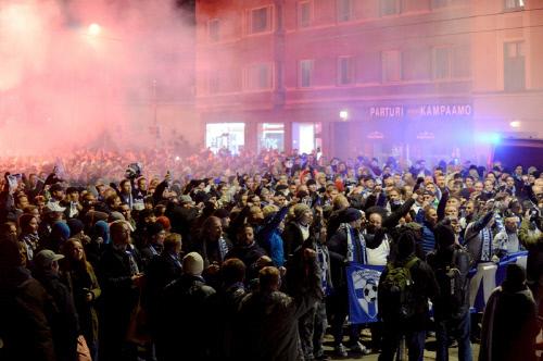 헬싱키 시내가 핀란드의 유럽축구선수권 본선 진출로 축제 분위기다. 출처 | 헬싱키타임즈