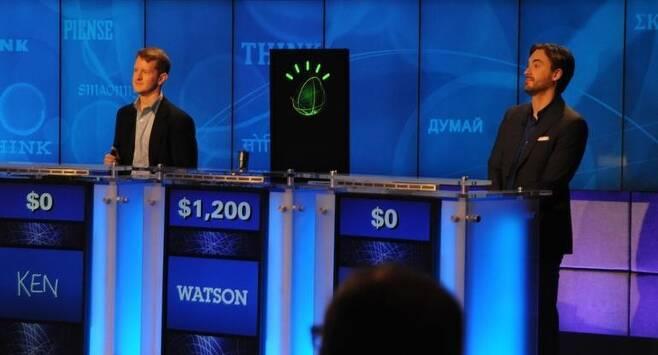 2011년 아이비엠의 인공지능 왓슨은 미국의 텔레비전 퀴즈쇼에서 인간 퀴즈왕을 물리쳤다. 아이비엠 제공