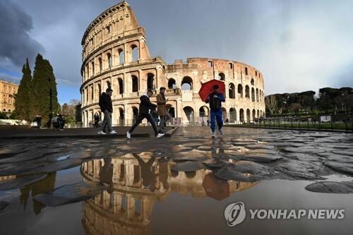 관광객이 자취를 감춘 이탈리아 로마 명소 콜로세움 앞. 2020.3.7 [AFP=연합뉴스]