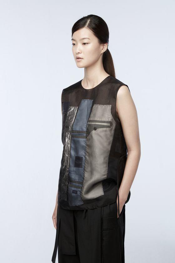 버려진 옷감을 재활용해 만든 업사이클링 의류. 코오롱 래코드