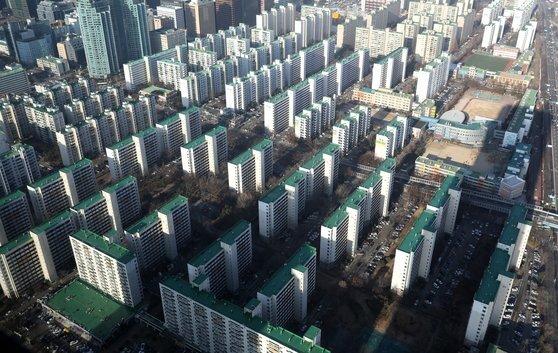 사진은 서울 영등포구 여의도 일대의 아파트 단지. [뉴스1]