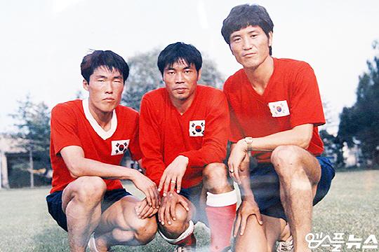 1970년대 태극마크를 달고 호흡을 맞춘 차범근(사진 맨 왼쪽부터), 박이천, 김재한(사진=김재한 제공)
