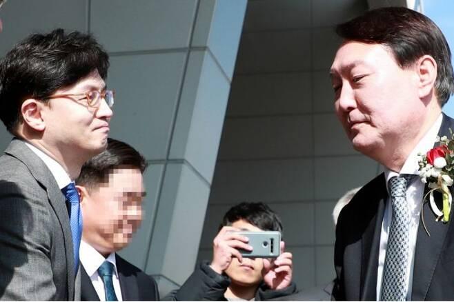 윤석열 검찰총장과 한동훈 검사장. (사진=연합뉴스/자료사진)