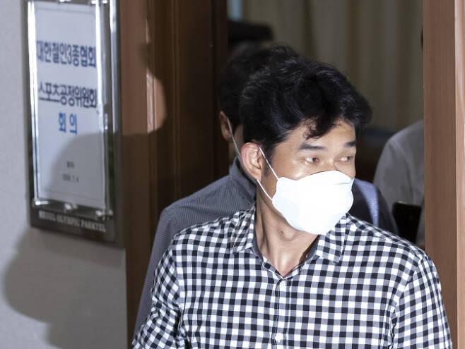 고 최숙현 선수 사망 사건과 관련해 가해자로 지목된 김규봉 경주 트라이애슬론 감독. 사진=연합뉴스
