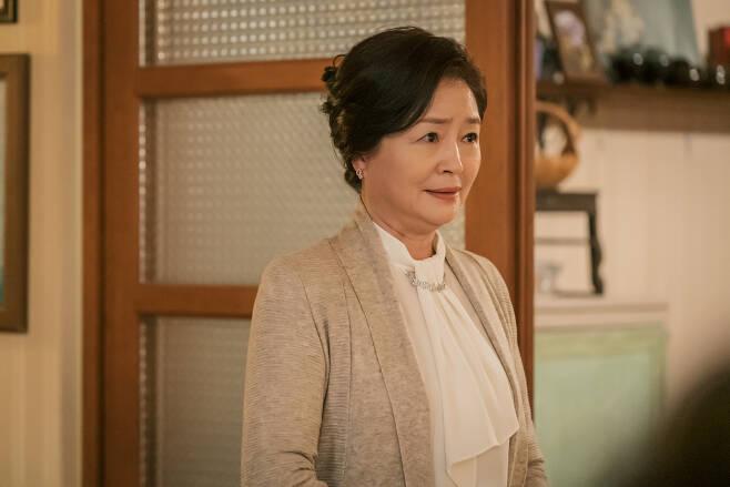 배우 원미경/ 사진제공=tvN '아는 건 별로 없지만 가족입니다' © 뉴스1
