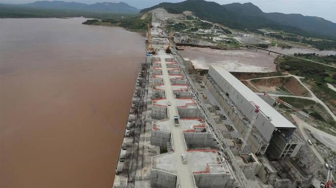 에티오피아 정부가 나일강 상류 청(blue)나일강에 건설중인 초대형 댐 '그랜드 에티오피아 르네상스 댐(GERD)'의 모습.[로이터]