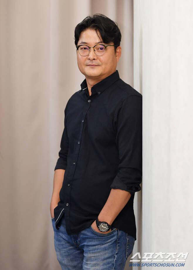 영화 '반도'의 제작사인 레드피터 이동하 대표가 22일 오전 서울 삼청동의 한 카페에서 진행된 인터뷰에서 포즈를 취하고 있다. 정재근 기자 cjg@sportschosun.com/2020.07.22/