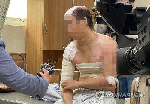 가혹행위 피해 증언하는 피해자 [연합뉴스 자료사진]