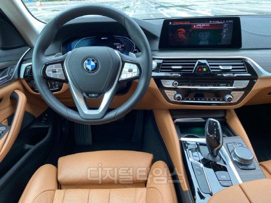BMW 530e 1열.<장우진 기자>