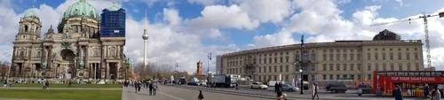 운터 덴 린덴 거리를 사이에 둔 훔볼트포럼(오른쪽부터)과 베를린 TV타워, 베를린 대성당 [베를린=연합뉴스]