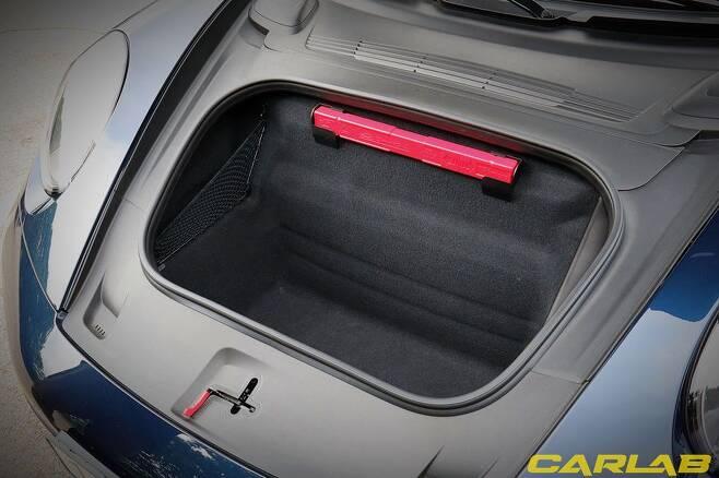 911 카레라 S 트렁크, 의외로 깊다?