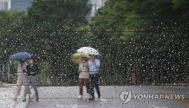 비 내리는 서울 [연합뉴스 자료사진]