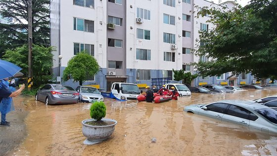 2020년 7월 30일 오전 대전 서구 정림동 아파트 침수 피해 현장 모습