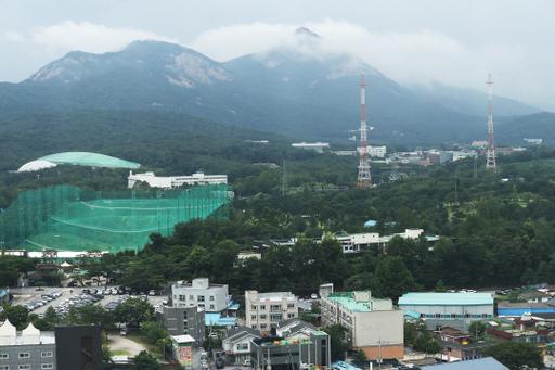 정부가 택지 개발을 논의 중인 노원구 태릉골프장과 인근 지역의 지난 22일 모습. 연합뉴스