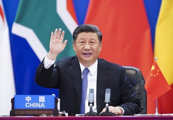 지난 6월 화상으로 열린 중국·아프리카 특별회의에서 시진핑 국가주석이 인사하고 있다.[신화=연합뉴스]